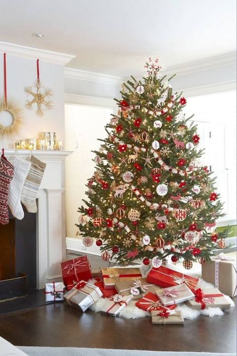60 idees sapin de noel tendance d coration sapin de noel for Decoration sapin de noel rouge et blanc