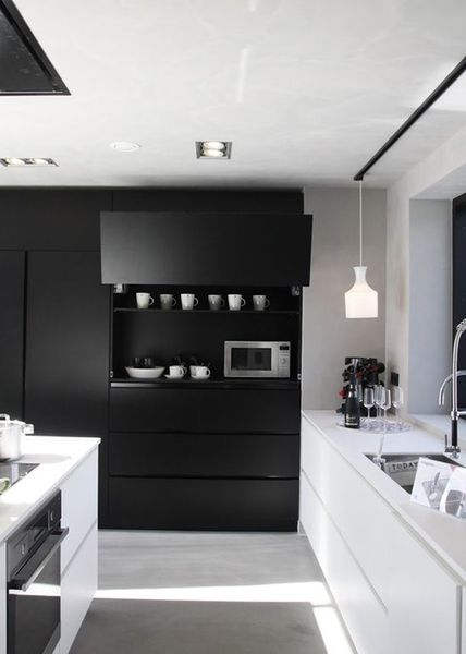 cuisine noir et blanc 20 id es d coration cuisine noir. Black Bedroom Furniture Sets. Home Design Ideas