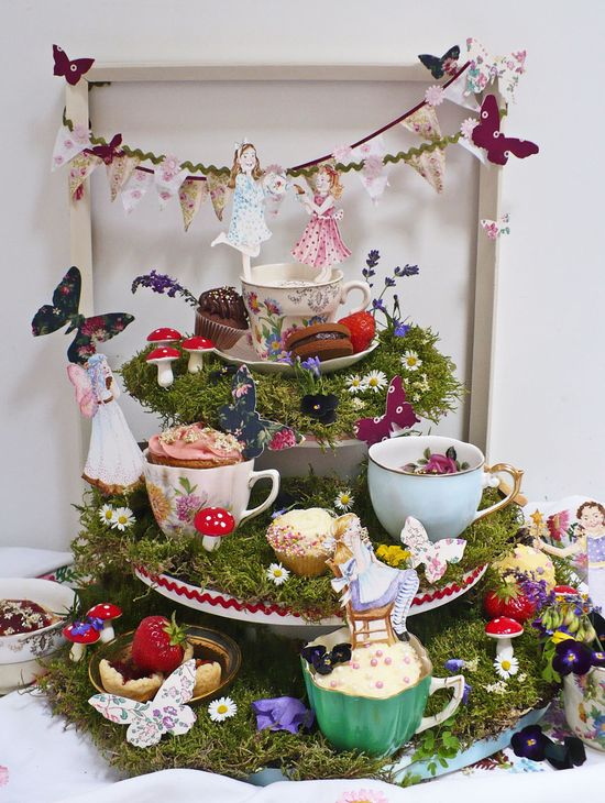 Nevie_pie_cakes_vintage-tea-party-dessert-table-London