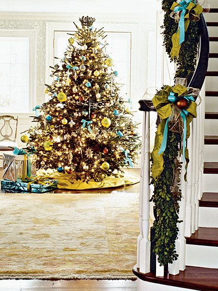 christmas-tree-yellow